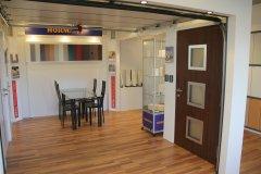 Unser Showroom mit Türen Tore Fenster und Schränke